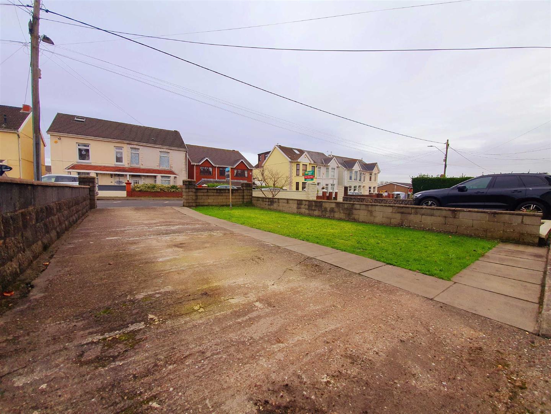 Pontardulais Road, Gorseinon, Swansea, SA4 4FF